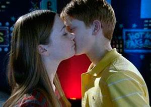 Как поцеловаться в первый раз