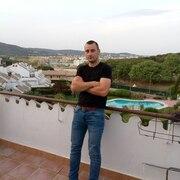 Андрій 27 лет (Стрелец) хочет познакомиться в Жироне
