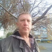 Начать знакомство с пользователем Виктор 52 года (Дева) в Новотроицке