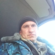 Роман, 41, г.Ленино
