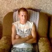 Виктор, 35, г.Калининск