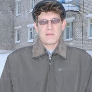 Михаил, 46, г.Сюмси