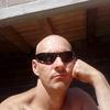 Василий, 42, г.Серов