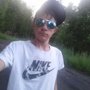 олег, 22, г.Татарск