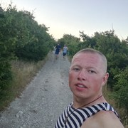 Олег, 22, г.Тарко (Тарко-сале)