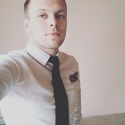 Олег, 26, г.Остров