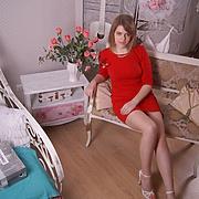 Елена, 29, г.Кировск