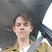 Денис, 19, г.Кингисепп