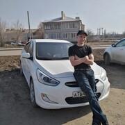Дмитрий, 38, г.Новоаннинский