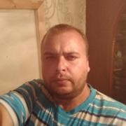 Кирилл, 31, г.Калининск