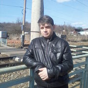 Михаил, 36