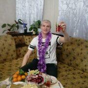 Павел, 41, г.Карпинск