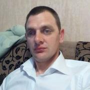 Петро, 32