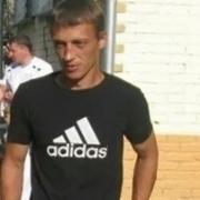 Виктор, 40, г.Волхов