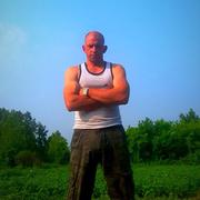 Анатолий, 35, г.Белово