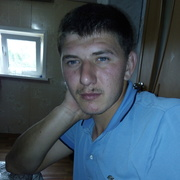 алексей, 24, г.Калининск