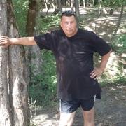 алексей, 47, г.Айхал