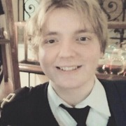 Илья, 21, г.Гатчина